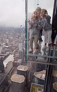 Willis Tower Skydeck Cracks
