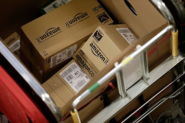 Amazon Plans to Hire 2000 New Workers Here in Illinois