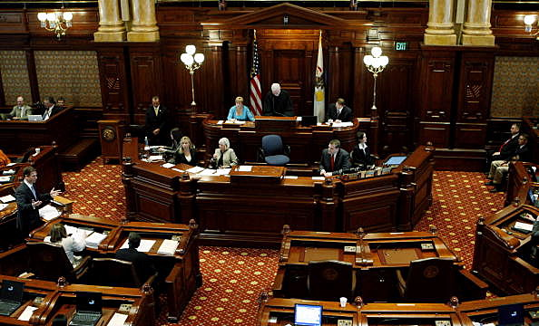 Illinois House Passes 32% Permanent Income tax Increase
