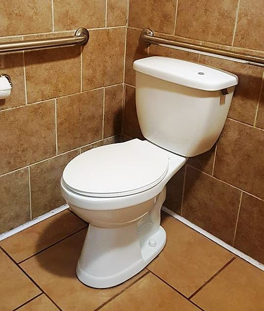 Crazy Toilet Is Freaking Out Some Rockford Restaurant Goers