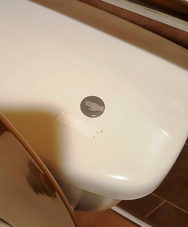 Crazy Toilet Is Freaking Rockford Restaurant Goers