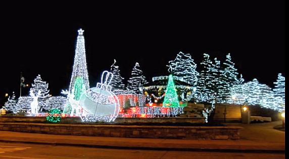 Tour The Lights Of Chicago This Christmas Season